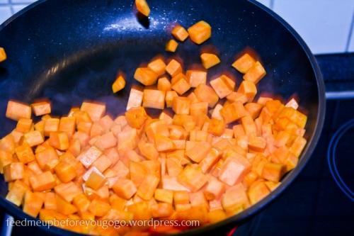 Süßkartoffeln in der Pfanne