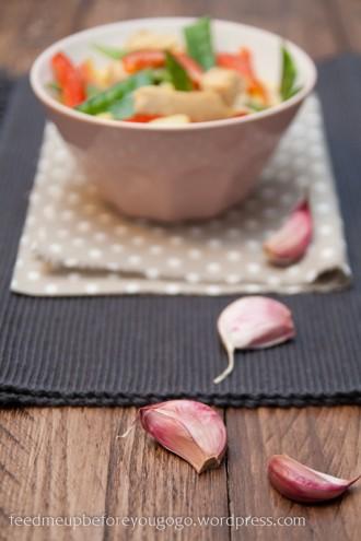 Putengulasch mit Kartoffeln, Curry und frischem Gemüse-1