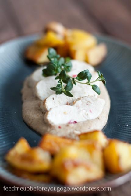 Hähnchenbrust mit Mandelsoße und scharfen Kartoffeln-1