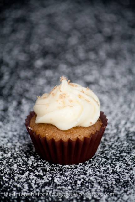 Chai-White-Chocolate-Cupcakes-1