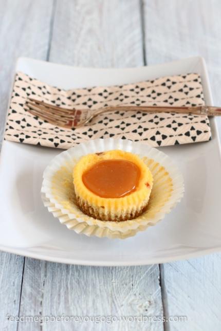 Mini Cheesecakes mit Salzkaramell -1