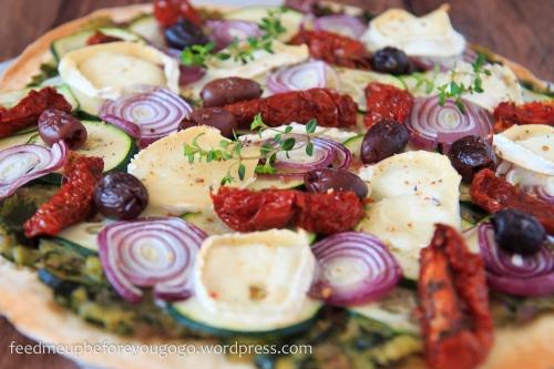 Ducasse Zucchinipizza mit getrockneten Tomaten und Ziegenkäse-1