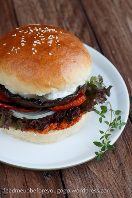 Rezept_Veggie-Burger_Portobellopilz_Ziegenkäse_Pesto_Rosso-5
