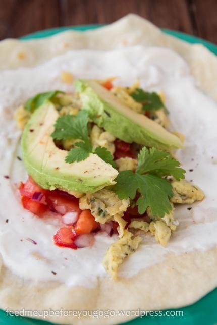 Frühstücksburritos mit Korianderrühreri, Tomatensalsa und Avocado Rezept-3