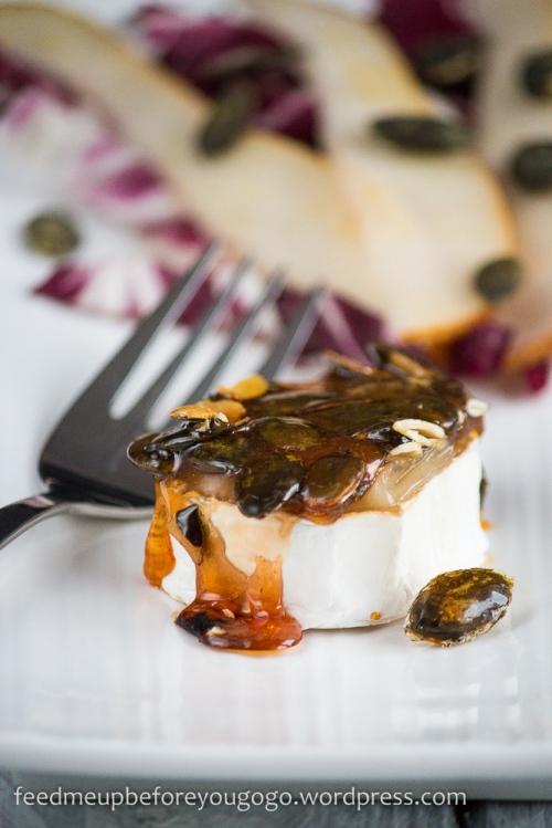 Ziegenkäserollen mit Kürbiskaramell und Radicchio-Birnen-Salat Rezept2-3