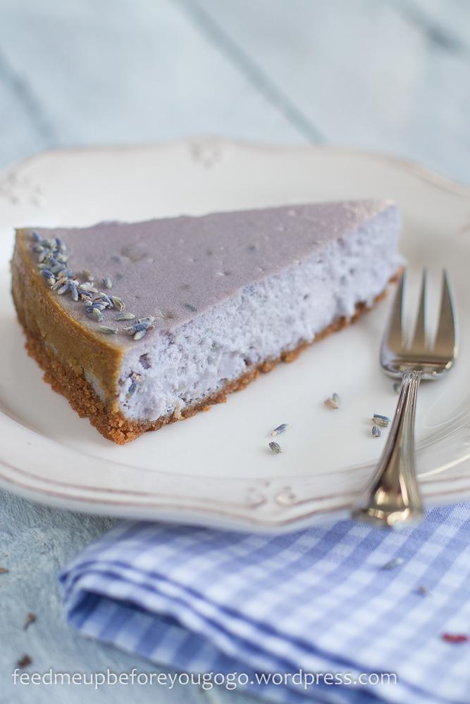 Ein letztes Stück vom Sommer: Lavendel-Cheesecake mit weißer Schokolade